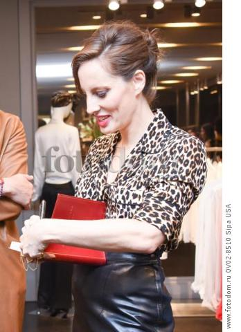 Liz Goldwyn - 10/21/2015 - Los Angeles, California - EQUIPMENT & VOGUE WITH LIZ GOLDWYN held at Equipment Boutique, Los Angeles,. (Photo by Owen Kolasinski/BFA) *** Please Use Credit from Credit Field ***