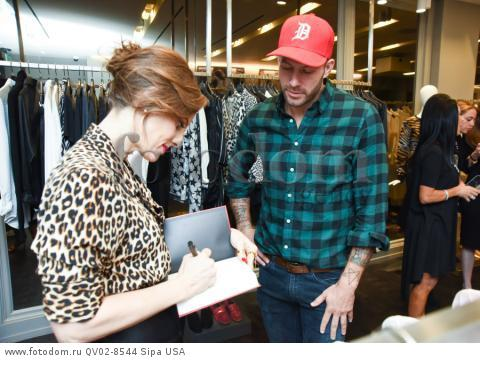 Liz Goldwyn, Johnny Wujek - 10/21/2015 - Los Angeles, California - EQUIPMENT & VOGUE WITH LIZ GOLDWYN held at Equipment Boutique, Los Angeles,. (Photo by Owen Kolasinski/BFA) *** Please Use Credit from Credit Field ***