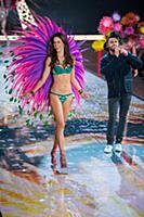 Alessandra Ambrosio and the Weeknd on the runway d