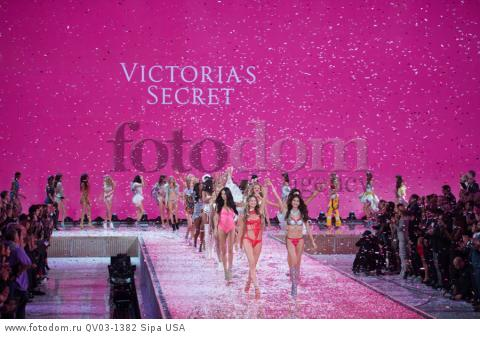 Adriana Lima, Behati Prinsloo, Lily Aldridge Finale on the runway during the 2015 New York Victoria?s Secret Fashion Show held at the Lexington Armory in New York City on November 10, 2015. (Photo by Anthony Behar) *** Please Use Credit from Credit Field *** *** Please Use Credit from Credit Field ***