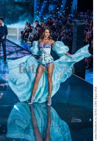 Flavia Lucini on the runway during the 2015 New York Victoria?s Secret Fashion Show held at the Lexington Armory in New York City on November 10, 2015. (Photo by Anthony Behar) *** Please Use Credit from Credit Field *** *** Please Use Credit from Credit Field ***