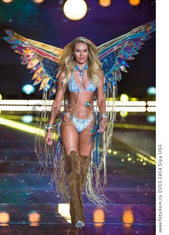 Candice Swanepoel on the runway during the 2015 New York Victoria?s Secret Fashion Show held at the Lexington Armory in New York City on November 10, 2015. (Photo by Anthony Behar) *** Please Use Credit from Credit Field *** *** Please Use Credit from Credit Field ***