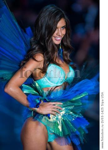 Sara Sampaio on the runway during the 2015 New York Victoria?s Secret Fashion Show held at the Lexington Armory in New York City on November 10, 2015. (Photo by Anthony Behar) *** Please Use Credit from Credit Field *** *** Please Use Credit from Credit Field ***