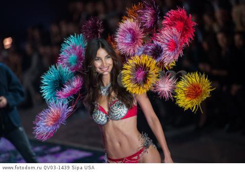 Lily Aldridge  on the runway during the 2015 New York Victoria?s Secret Fashion Show held at the Lexington Armory in New York City on November 10, 2015. (Photo by Anthony Behar) *** Please Use Credit from Credit Field *** *** Please Use Credit from Credit Field ***