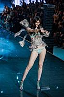 Sui He on the runway during the 2015 New York Vict