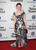Gillian Jacobs attends tThe Art of Elysium's Ninth