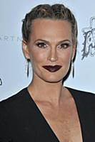 Molly Sims arrives at the Stella McCartney Autumn