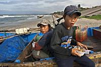 (6/17/2017)  Vietnam, Mui Ne, Mui Ne Beach, Fishin