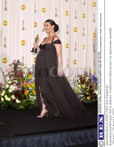 Фото беременной кэтрин зета джонс