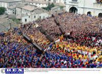 Праздник свечей в честь святого Убальда в Губбио