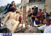 Ритуальное покаяние на Пасху в Италии