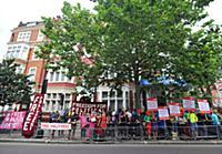 Митинг в поддержку группы «Pussy Riot» у посольств