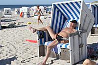 Эксклюзив: Ален Делон на нудистском пляже