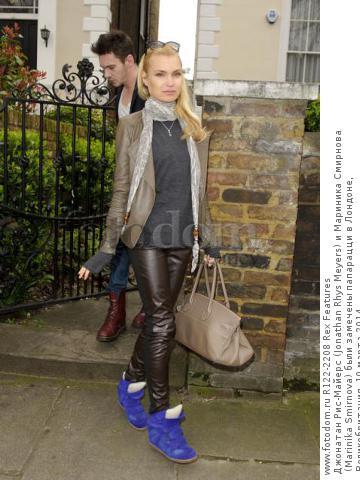 Джонатан Рис-Майерс (Jonathan Rhys Meyers) и Мариника Смирнова (Marinika Smirnova) были замечены папарацци в Лондоне, Великобритания, 10 марта 2014.