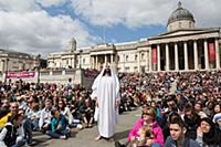 «Страсти Христовы» на Трафальгарской площади