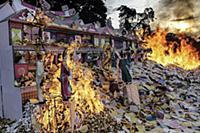 Вокруг света: Фестиваль призраков в Суматре, Индон