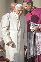 Папа Бенедикт XVI и Георг Генсвайн на Святой Мессе