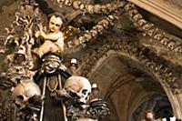Костел Sedlec Ossuary. Реставрация.