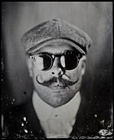 Фотограф возвращается к технике 19-го века