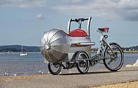 Трехколесный велосипед в духе аэропланов 1930-х