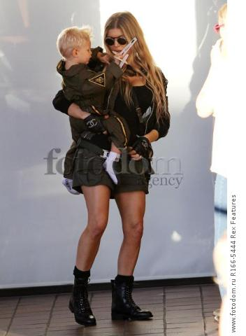 Mandatory Credit: Photo by Broadimage/REX Shutterstock (5012159d) Fergie Duhamel win son Axl Fergie and Josh Duhamel out and about, Los Angeles, America - 29 Aug 2015 Fergie and Josh Duhamel celebrate son Axl's second birthday at the Chin Chin Restaurant in Brentwood