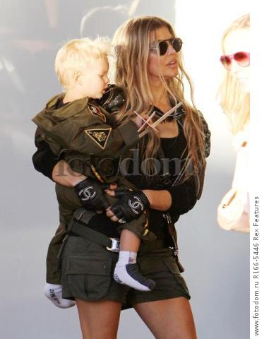 Mandatory Credit: Photo by Broadimage/REX Shutterstock (5012159f) Fergie Duhamel win son Axl Fergie and Josh Duhamel out and about, Los Angeles, America - 29 Aug 2015 Fergie and Josh Duhamel celebrate son Axl's second birthday at the Chin Chin Restaurant in Brentwood