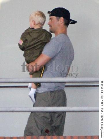 Mandatory Credit: Photo by Broadimage/REX Shutterstock (5012159j) Josh Duhamel win son Axl Fergie and Josh Duhamel out and about, Los Angeles, America - 29 Aug 2015 Fergie and Josh Duhamel celebrate son Axl's second birthday at the Chin Chin Restaurant in Brentwood