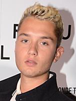 «Весь в отца» - сын Джуда Лоу на премьере Buttercup Bill