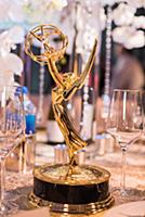 Подготовка к балу Emmy Awards