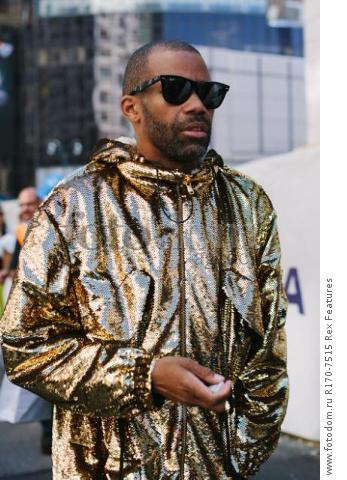 Mandatory Credit: Photo by Liz Devine/WWD/REX Shutterstock (5083791v) Street Style Street Style, Spring Summer 2016, New York Fashion Week, America - 14 Sep 2015