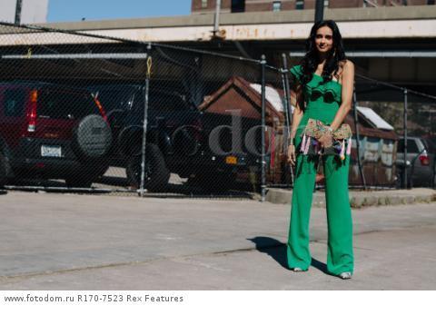 Mandatory Credit: Photo by Liz Devine/WWD/REX Shutterstock (5083791k) Street Style Street Style, Spring Summer 2016, New York Fashion Week, America - 14 Sep 2015