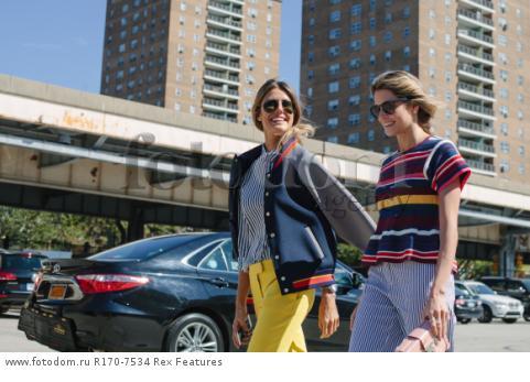 Mandatory Credit: Photo by Liz Devine/WWD/REX Shutterstock (5083791d) Street Style Street Style, Spring Summer 2016, New York Fashion Week, America - 14 Sep 2015