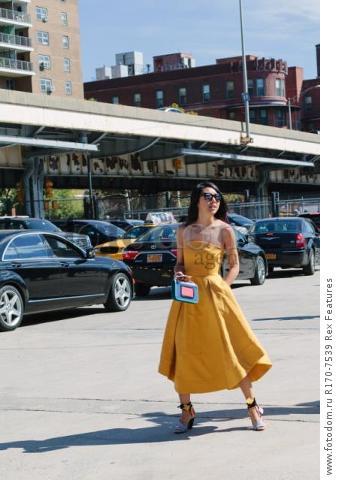 Mandatory Credit: Photo by Liz Devine/WWD/REX Shutterstock (5083791b) Street Style Street Style, Spring Summer 2016, New York Fashion Week, America - 14 Sep 2015