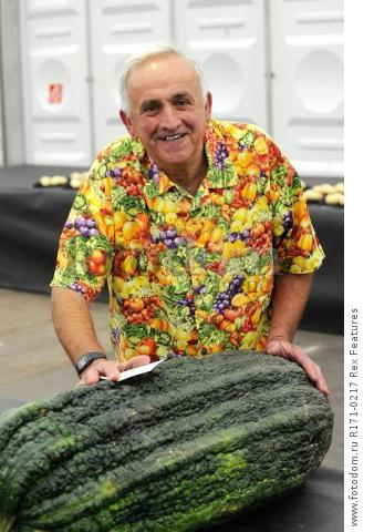 Mandatory Credit: Photo by Charlotte Graham/REX Shutterstock (5106761d) Ian Neale from Newport with his winning Marrow Harrogate Flower Show, Yorkshire, Britain - 18 Sep 2015 North of England Horticultural Society, Harrogate Autumn Flower Show