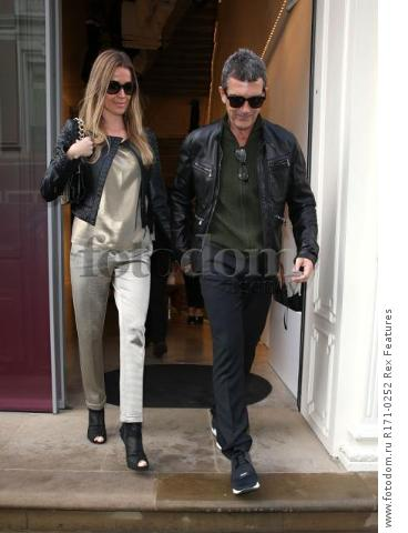 Mandatory Credit: Photo by Beretta/Sims/REX Shutterstock (5107457a) Antonio Banderas and Nicole Kimpel Antonio Banderas and Nicole Kimpel out and about, London, Britain - 18 Sep 2015 Pictured leaving Victoria Beckham's shop in Dover Street
