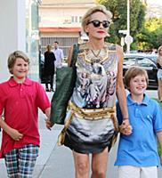 Шэрон Стоун с сыновьями