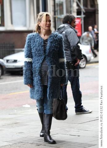 Mandatory Credit: Photo by Beretta/Sims/REX Shutterstock (5225179t) Renee Zellweger on set at Sainsbury's 'Bridget Jones' Baby' on set filming, Woolwich, London, Britain - 07 Oct 2015