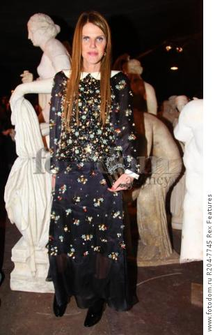 Mandatory Credit: Photo by Lodovico Colli di Felizzano/REX Shutterstock (5460040b) Anna Dello Russo Chanel Metiers d'Art show, Rome, Italy - 01 Dec 2015 French fashion house holds its annual catwalk show and premieres Once and Forever, Karl Lagerfeld's short film starring Kristen Stewart and Geraldine Chaplin. Stewart has also been chosen as the face of the MГ©tiers d'Art advertising campaign Paris-Rome. Showcases the work of ten artisan manufacturers who work for Paraffection, a subsidiary of Chanel which promotes and maintains manufacturing skills