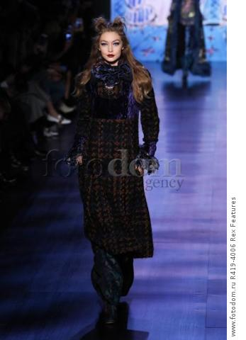 Mandatory Credit: Photo by Amy Sussman/WWD/REX/Shutterstock (8377423b)
