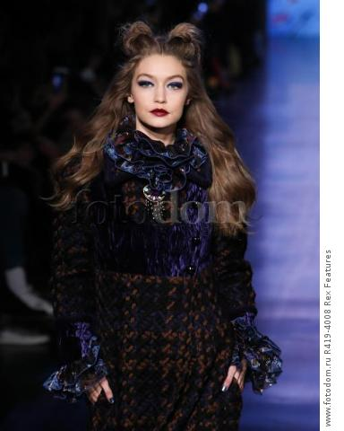 Mandatory Credit: Photo by Amy Sussman/WWD/REX/Shutterstock (8377423d)