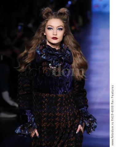 Mandatory Credit: Photo by Amy Sussman/WWD/REX/Shutterstock (8377423d) Gigi Hadid on the catwalk Anna Sui show, Runway, Fall Winter 2017, New York Fashion Week, USA - 15 Feb 2017