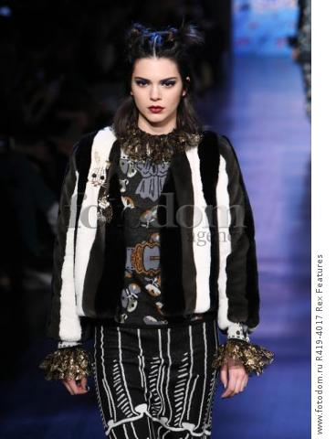 Mandatory Credit: Photo by Amy Sussman/WWD/REX/Shutterstock (8377423m)