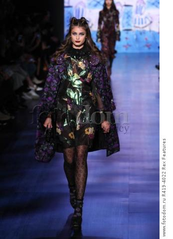 Mandatory Credit: Photo by Amy Sussman/WWD/REX/Shutterstock (8377423r)
