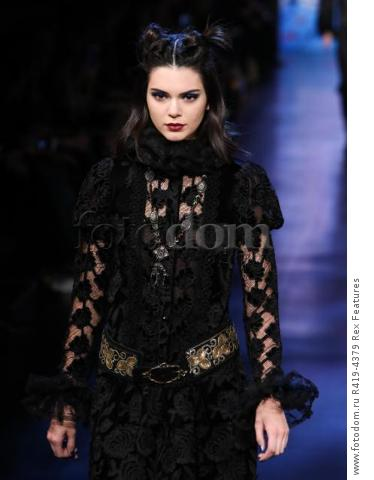 Mandatory Credit: Photo by Amy Sussman/WWD/REX/Shutterstock (8377423ag)