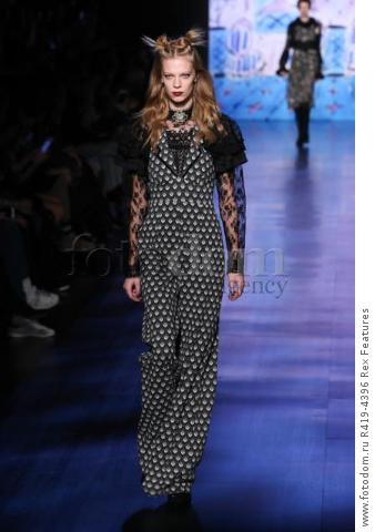 Mandatory Credit: Photo by Amy Sussman/WWD/REX/Shutterstock (8377423ax)