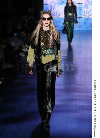 Mandatory Credit: Photo by Amy Sussman/WWD/REX/Shutterstock (8377423bh)