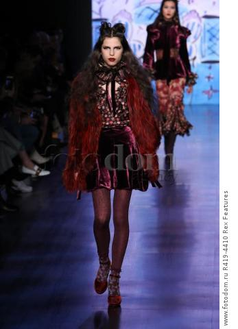 Mandatory Credit: Photo by Amy Sussman/WWD/REX/Shutterstock (8377423bl)