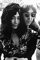 BEATLES. JOHN LENNON AND YOKO ONO 1971