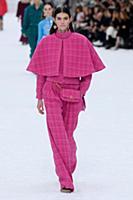 Модный тренд осень-зима 2019: Кейп - пальто-накидка