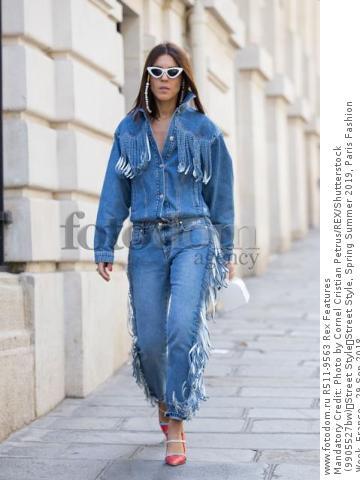Mandatory Credit: Photo by Cornel Cristian Petrus/REX/Shutterstock (9905527bw) Street Style Street Style, Spring Summer 2019, Paris Fashion Week, France - 29 Sep 2018